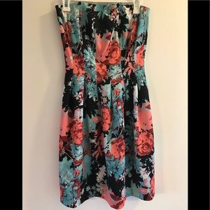 New York and CO Floral strapless dress large